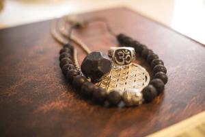 bracelet pierre de lave bienfaits